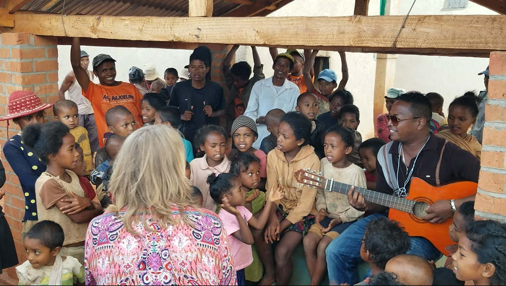 Singing with the people of Ambalafeno